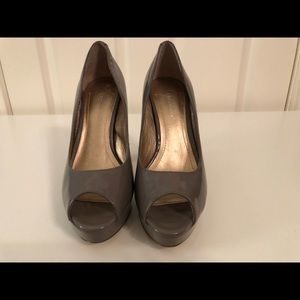 Bcbgeneration gray patent leather platform heels